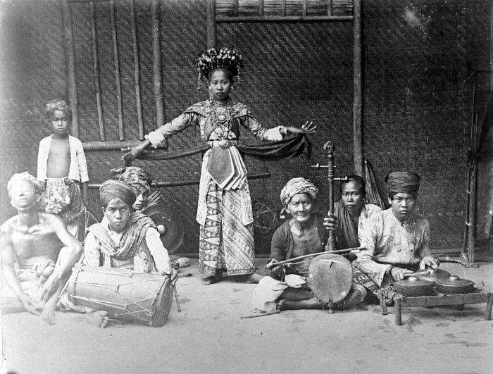 Photo of Sekitar Tahun 1937 Orkes-Orkes Gambang Kromong Mencapai Puncak Popularitasnya