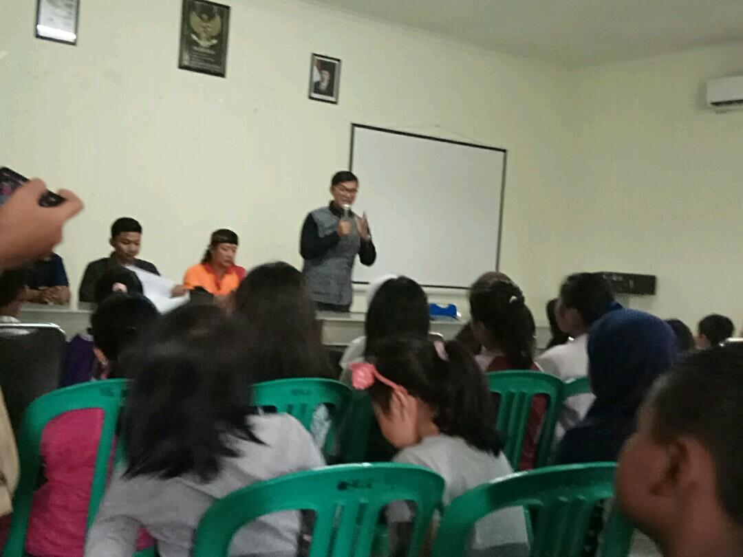 Photo of Minggu Pagi, Kantor Kelurahan Mekarjaya Diserbu Calon Musisi Muda
