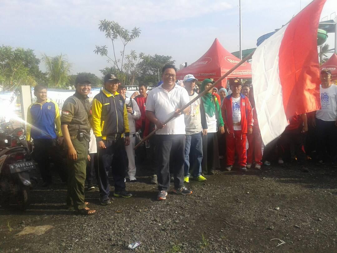 Photo of Warga Kelurahan Curug Ikuti Gerak Jalan Santai