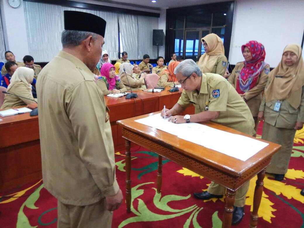 Photo of Disdukcapil Depok Teken MoU Integrasi Data Dan Hak Akses